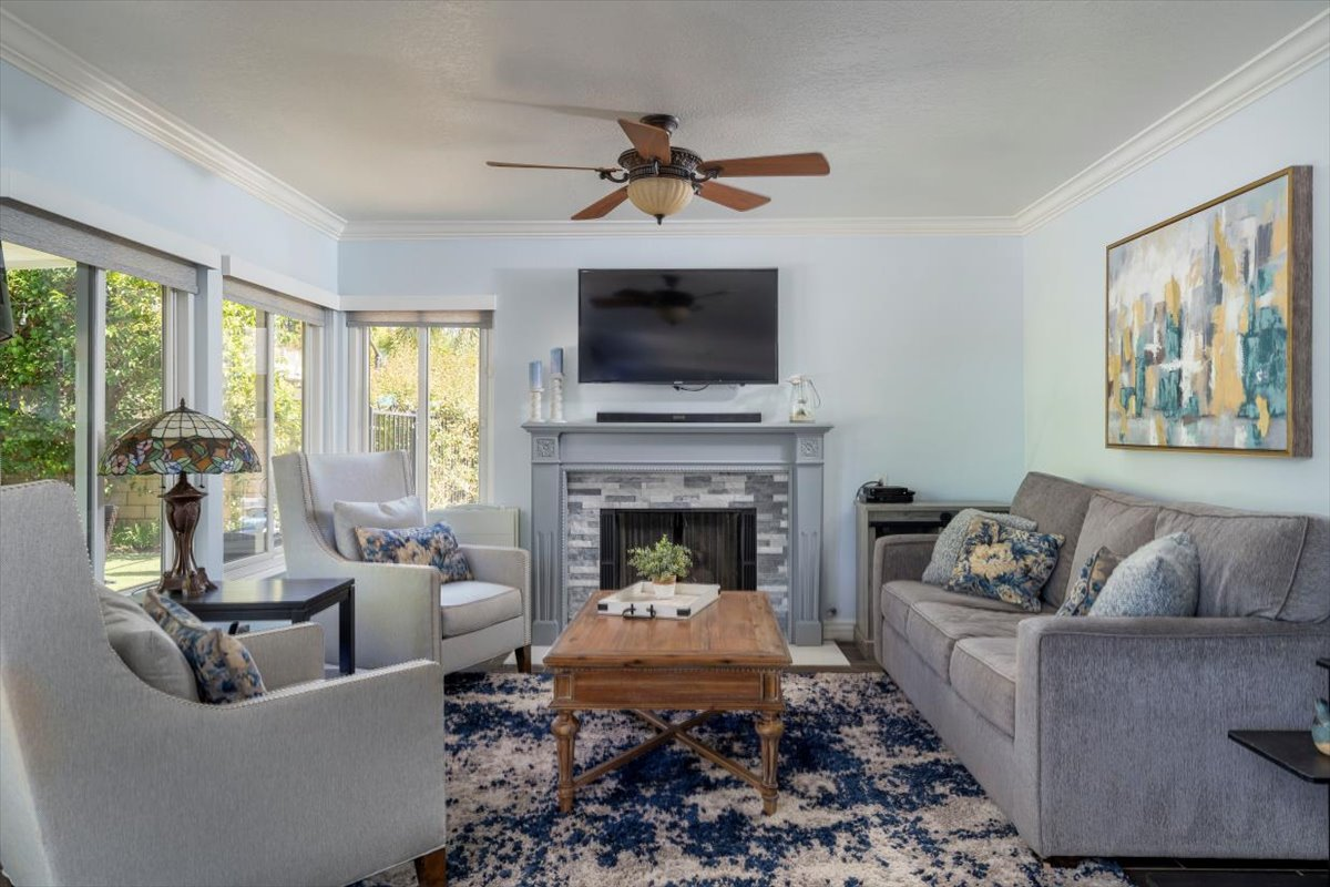 26785 Miguel Ct Family Room For Sale