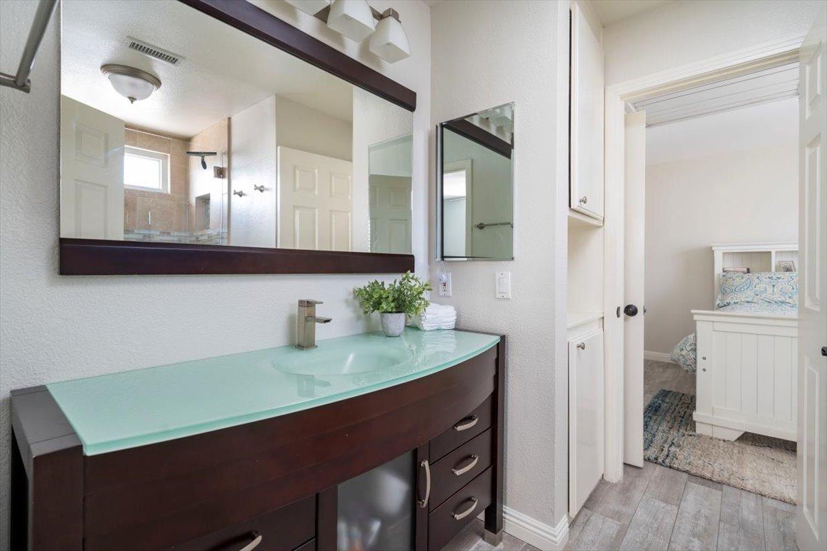 26785 Miguel Ct Bathroom For Sale